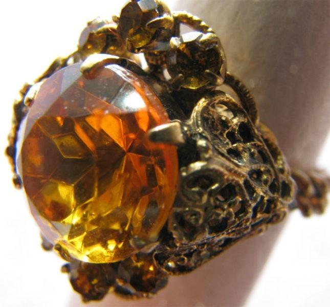 кольцо с жёлтым гиацинтом