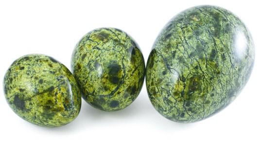 в форме яиц