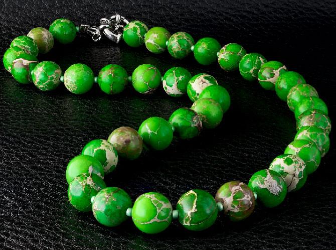 зелёные бусы