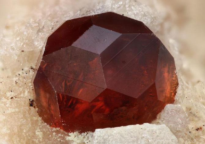 добытый камень