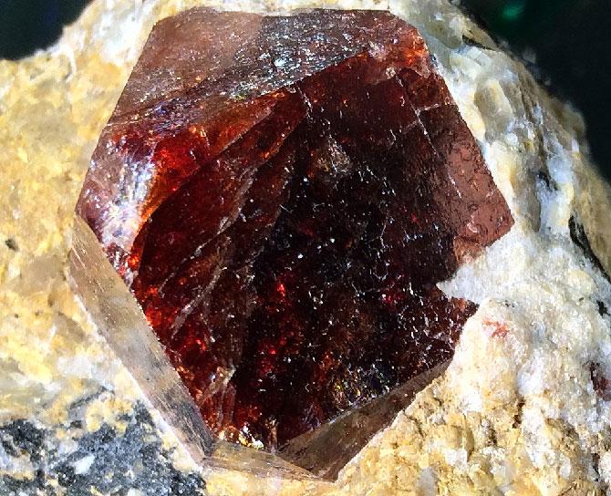 в минерале