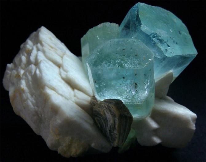 камень в породе