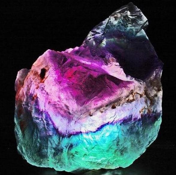 Светящийся-камень