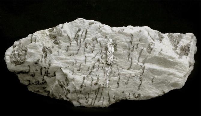 гранитный-минерал
