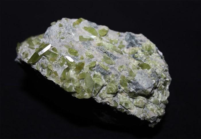 Минерал - Сфен(Титанит)