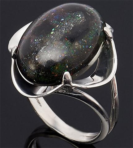 перстень с черным опалом