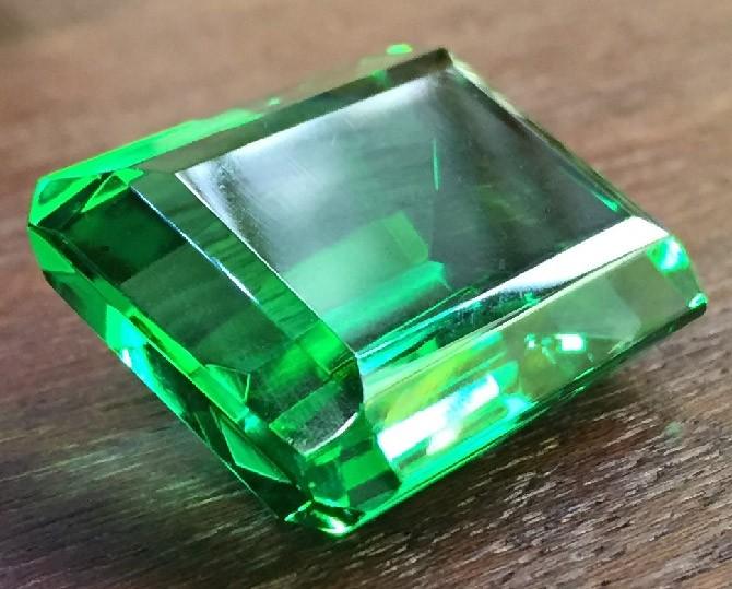 зеленый-топаз